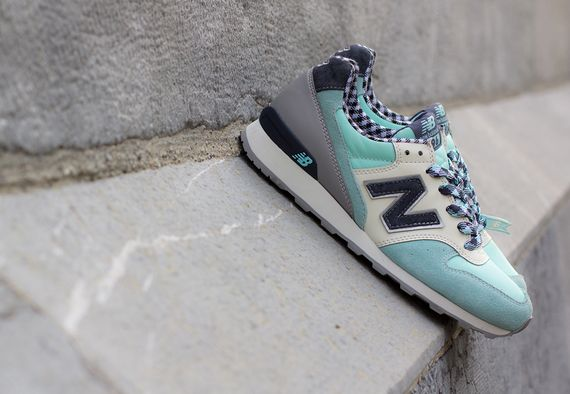 new balance-women-996-gingham_05