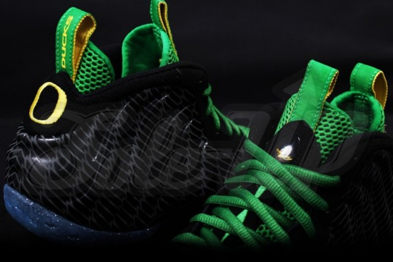 nike-air-foamposite-one-oregon-05-570x380