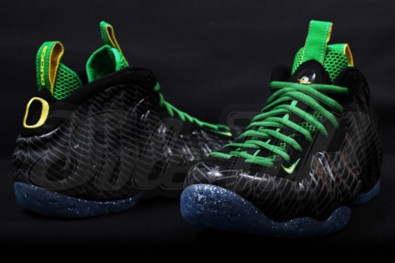 nike-air-foamposite-one-oregon-08-570x380
