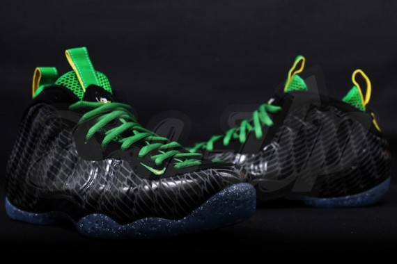 nike-air-foamposite-one-oregon-09-570x380