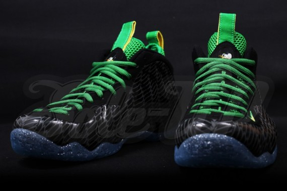 nike-air-foamposite-one-oregon-10-570x380