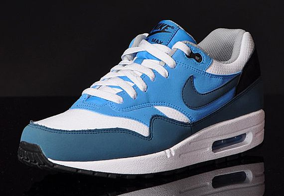 nike-air max 1-essential-night factor_02