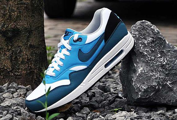nike-air max 1-essential-night factor_06
