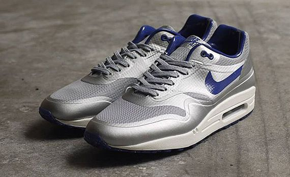nike-air max 1-night track_04