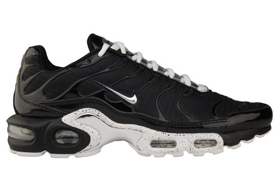 nike-air max plus-chrome