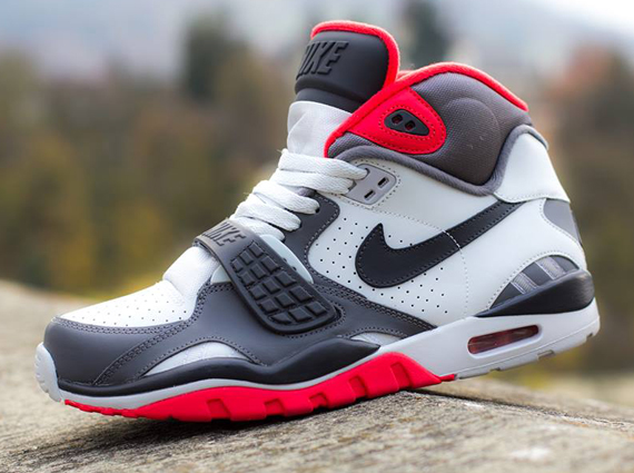 nike-air-trainer-sc-2-white-grey-light-crimson-1
