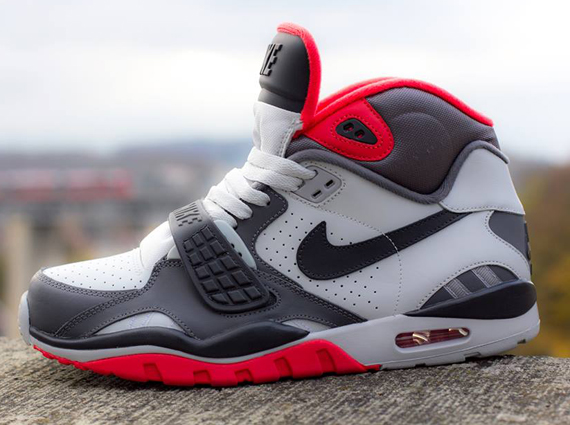 nike-air-trainer-sc-2-white-grey-light-crimson-2