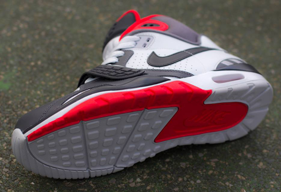 nike-air-trainer-sc-2-white-grey-light-crimson-3
