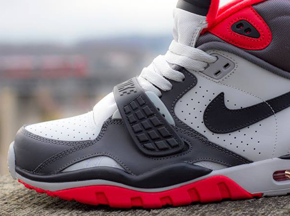 nike-air-trainer-sc-2-white-grey-light-crimson