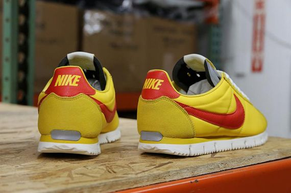 nike-cortez nm-yellow-gamma orange_03