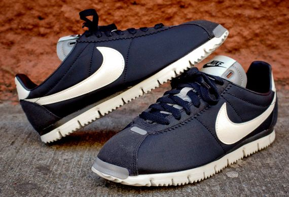 nike-cortez qs nm-black-white-grey_06