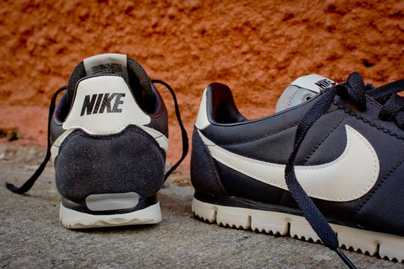 nike-cortez qs nm-black-white-grey_08