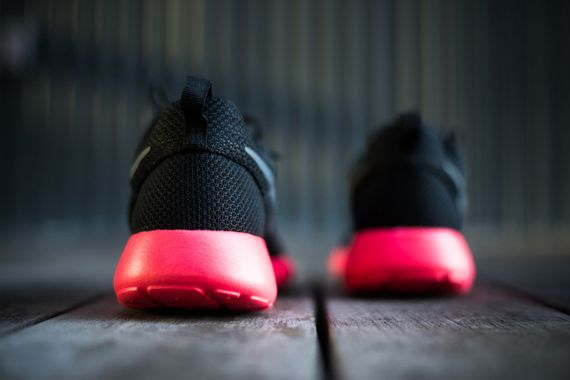 nike-roshe run-siren red_04