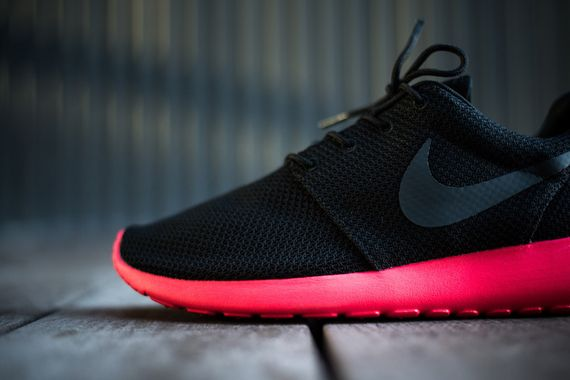 nike-roshe run-siren red_05
