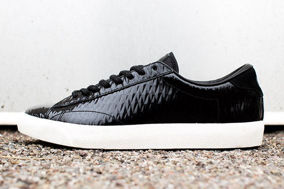 nike-tennis-quilted