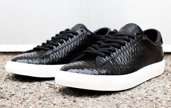 nike tennis classic ac quilted