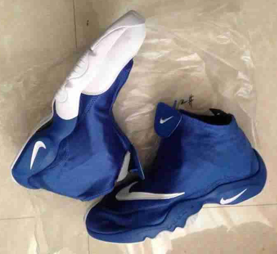 nike-zoom-flight-glove-blue-white-black-3