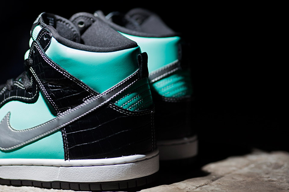 Nike-SB-Diamond-Dunk-Hi-Tiffany-02