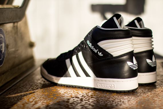 adidas-conference-black-white