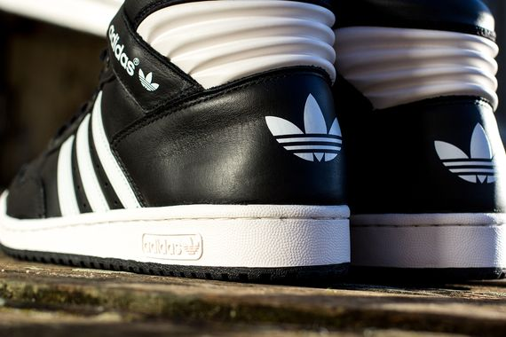 adidas-conference-black-white_03