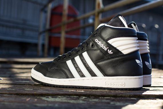 adidas-conference-black-white_04