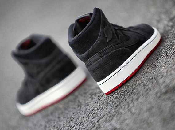 air-jordan-1-mid-black-suede-red-3