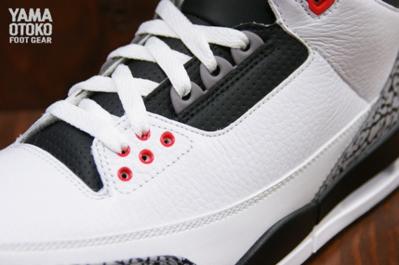 air-jordan-3-retro-white-black-wolf-grey-infrared-23-02-570x379