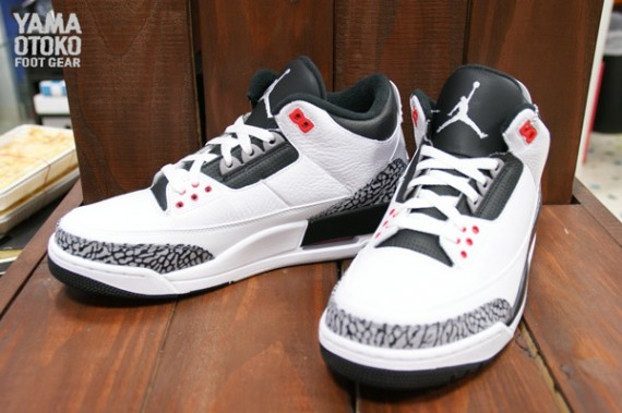 air-jordan-3-retro-white-black-wolf-grey-infrared-23-05-570x379