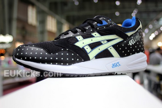 asics-gel-glow-in-the-dark-pack-04-570x379
