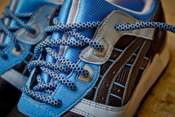 asics-gel-lyte-iii-black-carolina-blue-available-05-570x380