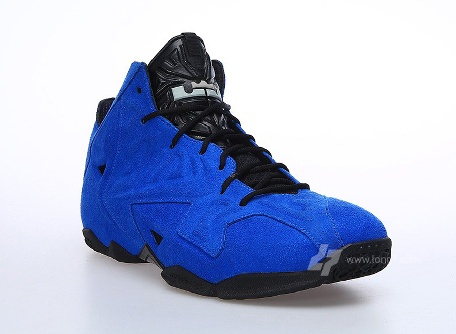 blue-suede-nike-lebron-11-ext-2