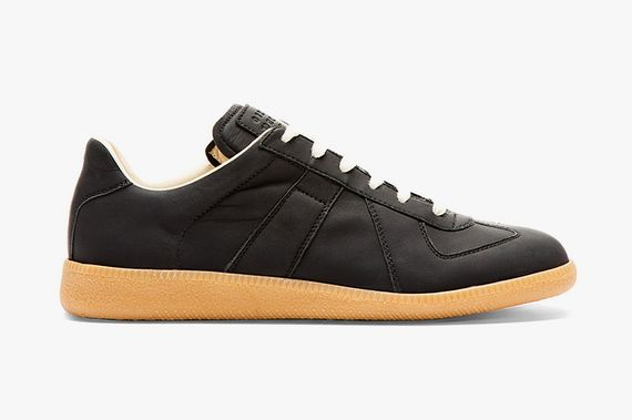 maison-martin-margiela-matte-black-leather-replica-sneakers-01_result