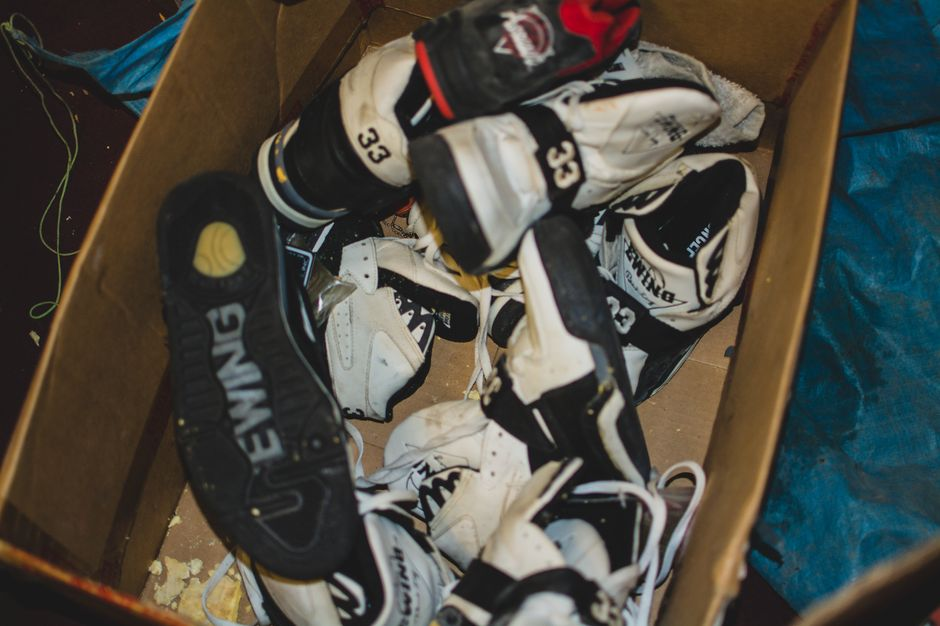 modern-notoriety-vintage-shoes-sneakers-digging-secret-undisclosed-rare-old-nike-air-adidas-reebok-fila-display_169