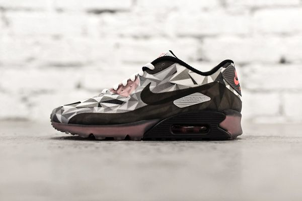 nike-air-max-90-ice-white-cool-grey-black-infrared-1