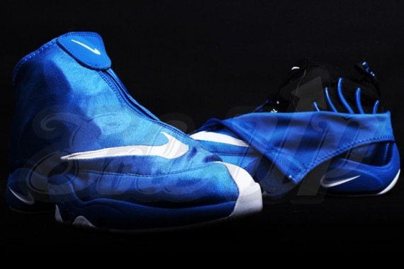 nike-air-zoom-flight-the-glove-royal-white-06-570x380
