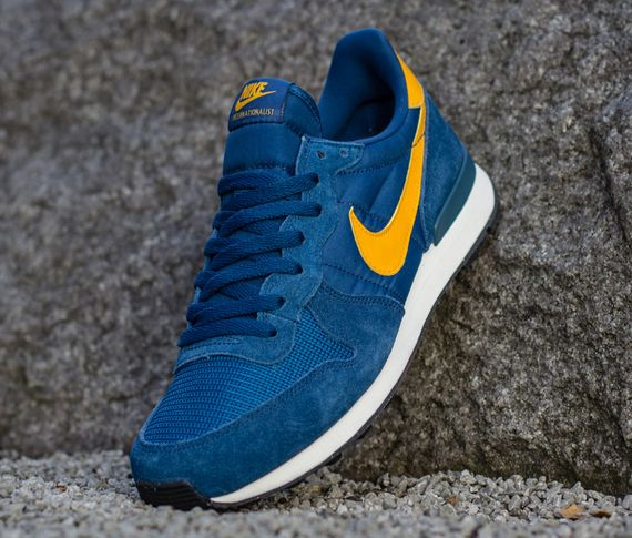 nike-internationalist-court blue