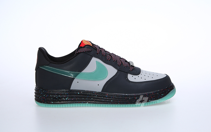 nike-lunar-force-1-yoth