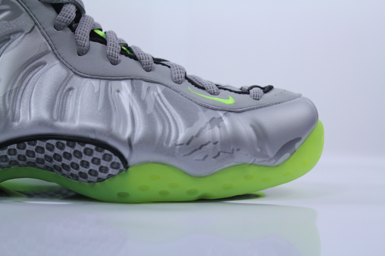 Nike-Air-Foamposite-One-PRM-575420-004-2-of-7