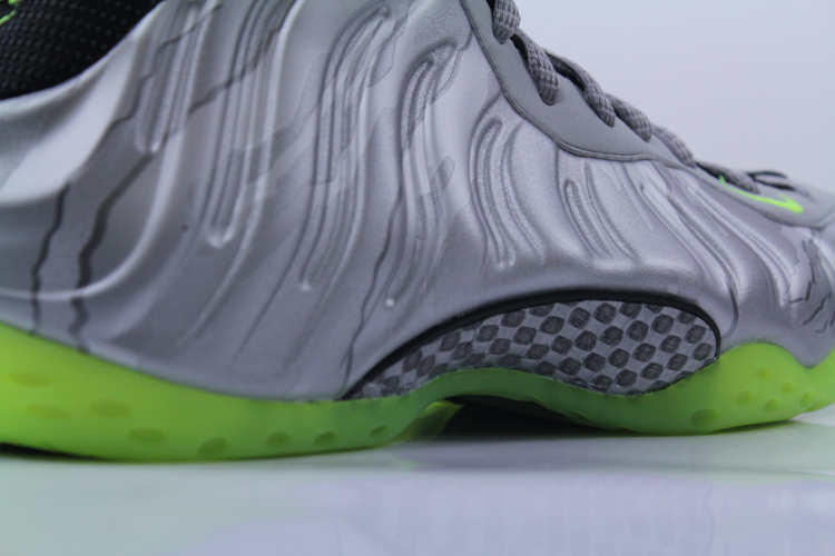 Nike-Air-Foamposite-One-PRM-575420-004-3-of-7