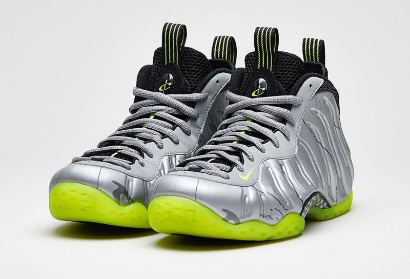 Nike_Air_Foamposite_One_PRM_Metallic_Silver_Volt_Black_01-800x5441