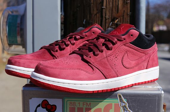air jordan-1 low-team read