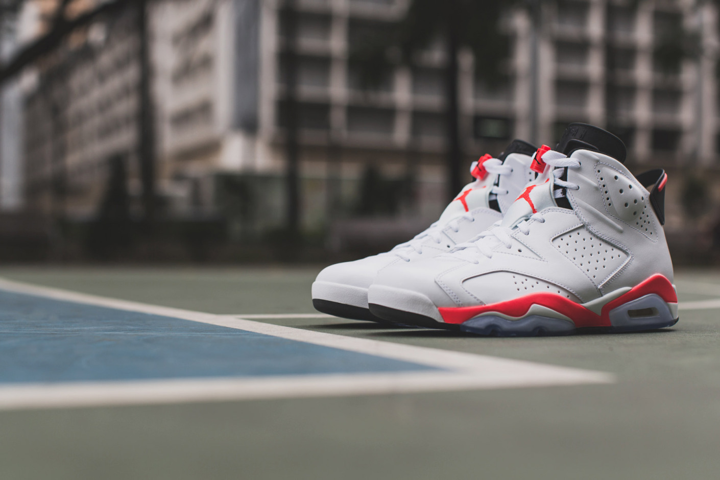 air-jordan-6-infrared-retro-1