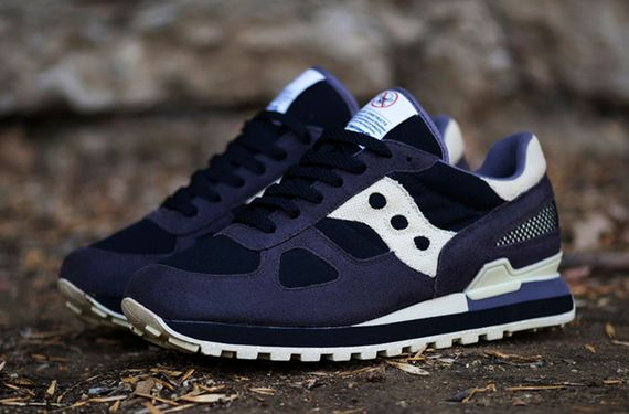 bait-saucony-cruel world_02
