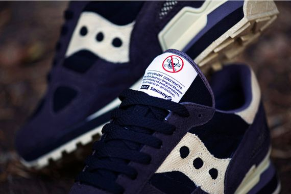 bait-saucony-cruel world_03