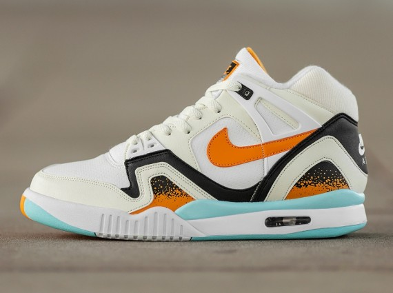 kumquat-nike-air-tech-challenge-ii-02-570x425