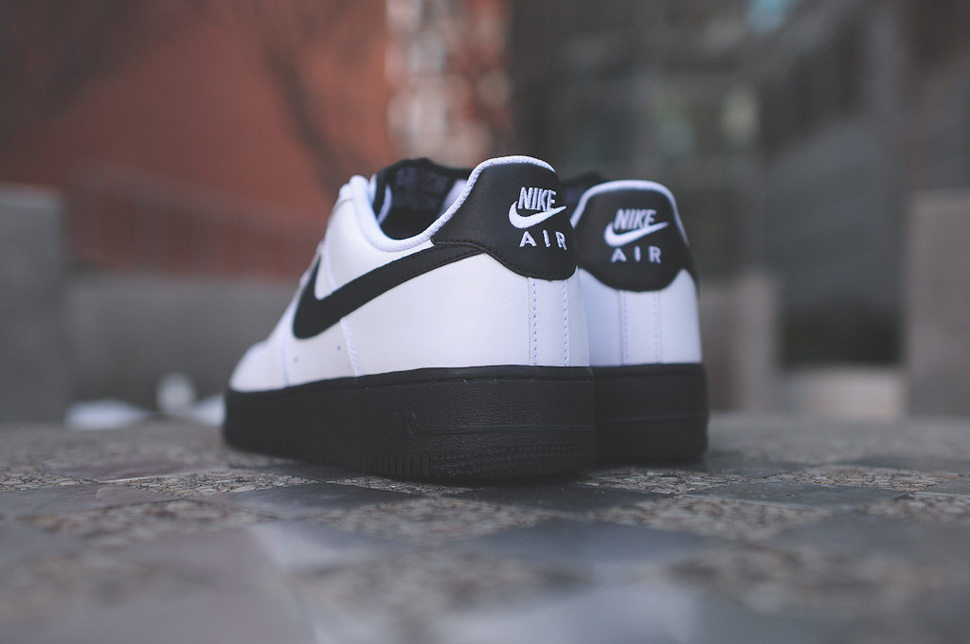 nike-air-force-1-low-black-white-4