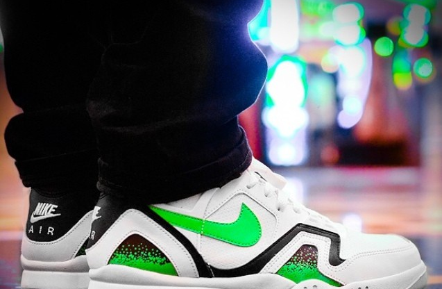 nike-air-tech-challenge-ii-poison-green_02