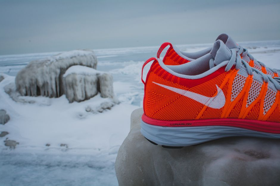 nike-lunar-flyknit-2-finishline-atomic-orange_3