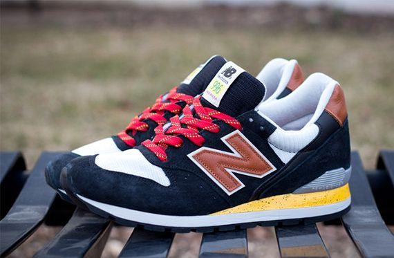 New-Balance-996-Black-01_result
