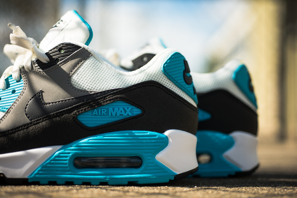 Nike_Air_Max_90_Essential_-_Summit_Blue_Sneaker_Politics_1_1024x1024